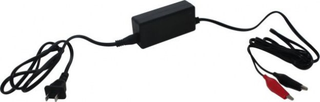 Charger_ _14 7V_1 5A_Alligator_Clips_Trickle_Charger_1